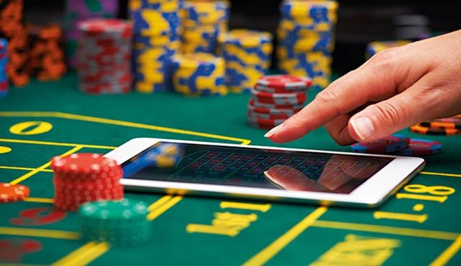 Some Poker Basics And Strategies – Gambling